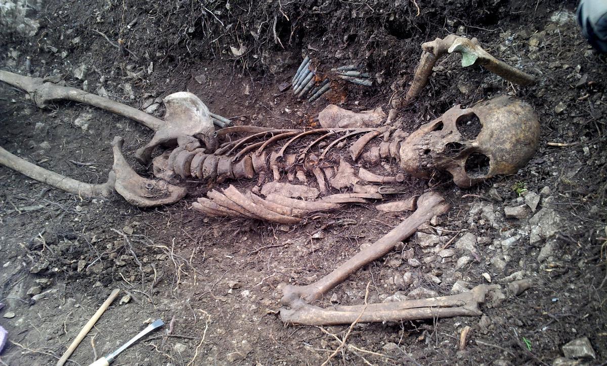 Restos de un soldado que combatió en la sierra de El Toro (Castellón) durante la batalla de Levante de la Guerra Civil.