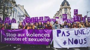 Milers de dones denuncien la mala acollida de les víctimes de violència de gènere a les comissaries franceses