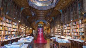 Interior de la librería Lello de Opoto.