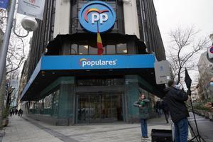 Imagen de la sede del PP en la Calle Genova esta mañana.