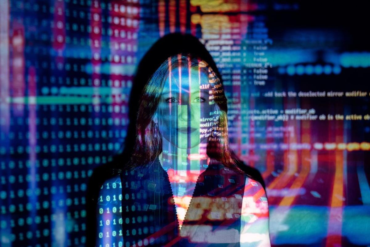 Hay trabajo en el sector TIC, pero... ¿es para todos?