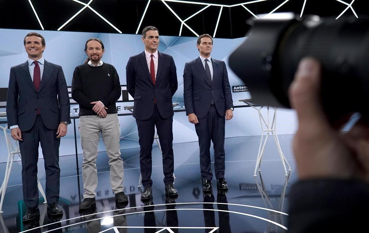 Pablo Casado, Pablo Iglesias, Pedro Sánchez y Albert Rivera, en el plató de Atresmedia.