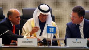 La OPEP y Rusia pactan un nuevo recorte en la oferta de petróleo