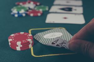 Creen una intel·ligència artificial capaç de derrotar cinc humans en una partida de pòquer