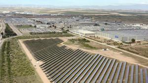 Planta fotovoltaica instalada por el grupo automovilístico Stellantis en Figueruelas (Zaragoza).