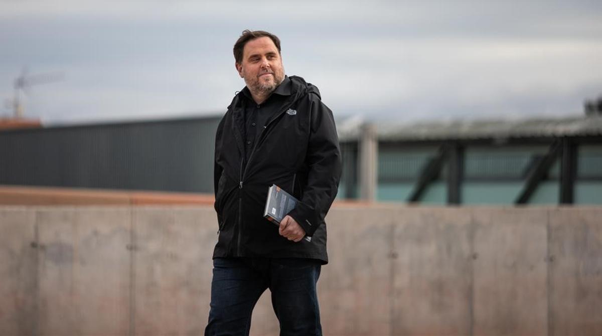 Oriol Junqueras sale de la cárcel de Lledoners, en marzo del 2020.