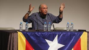 Lluís Llach, durante una conferencia en el centro cívico El Roure de Begues, el 9 de mayo.