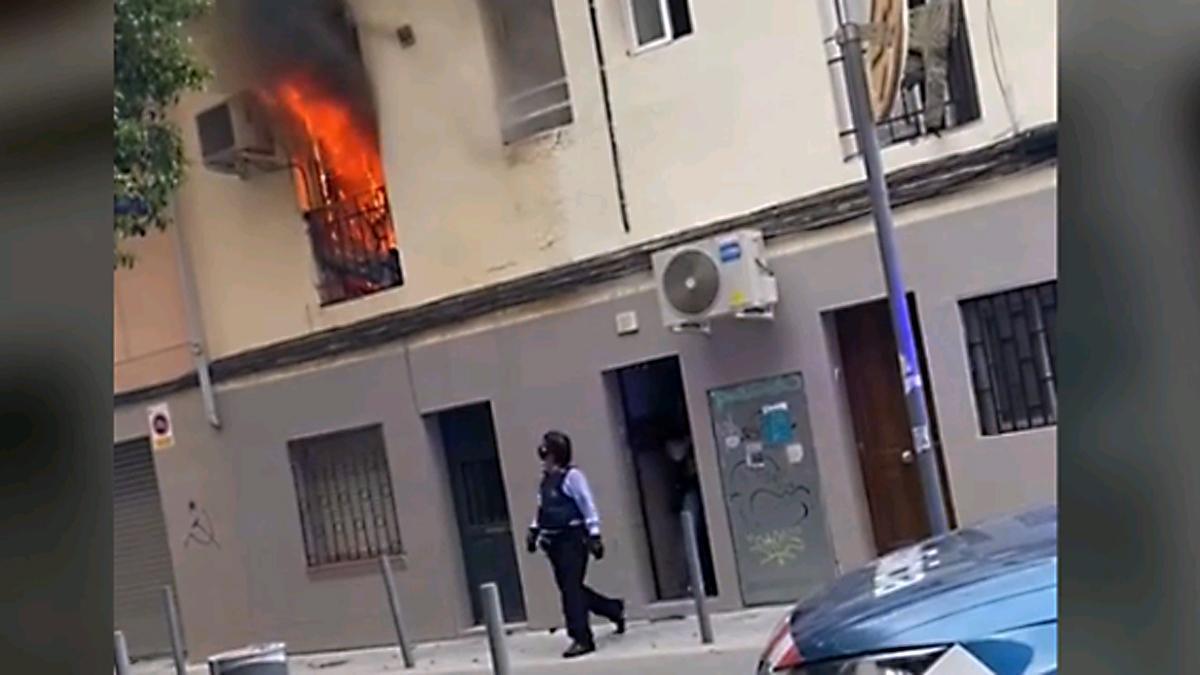 Un muerto en un incendio en L'Hospitalet