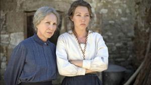 Nathalie Baye (a la izquierda) en un fotograma de 'Las guardianas'.