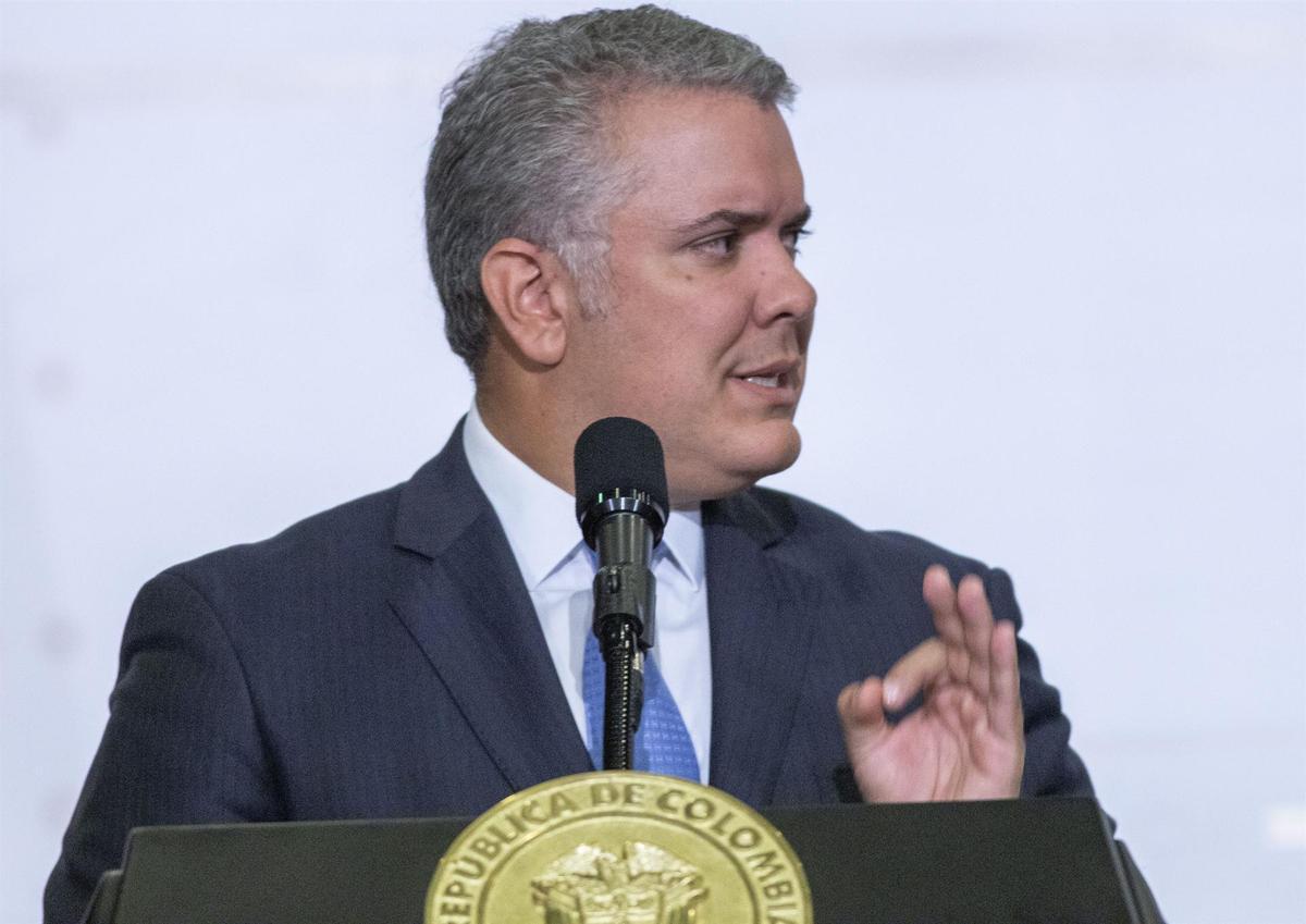 Colombia adquiere 40 millones de vacunas y empezará a aplicarlas en 2021