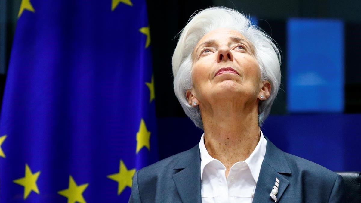 Lagarde se compromete a seguir estimulando la economía de la eurozona