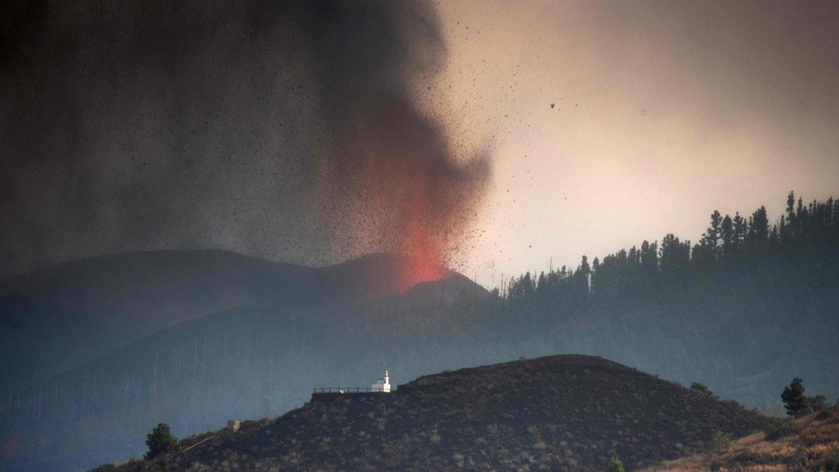 El volcán de La Palma, en Cumbre Vieja, en erupción.