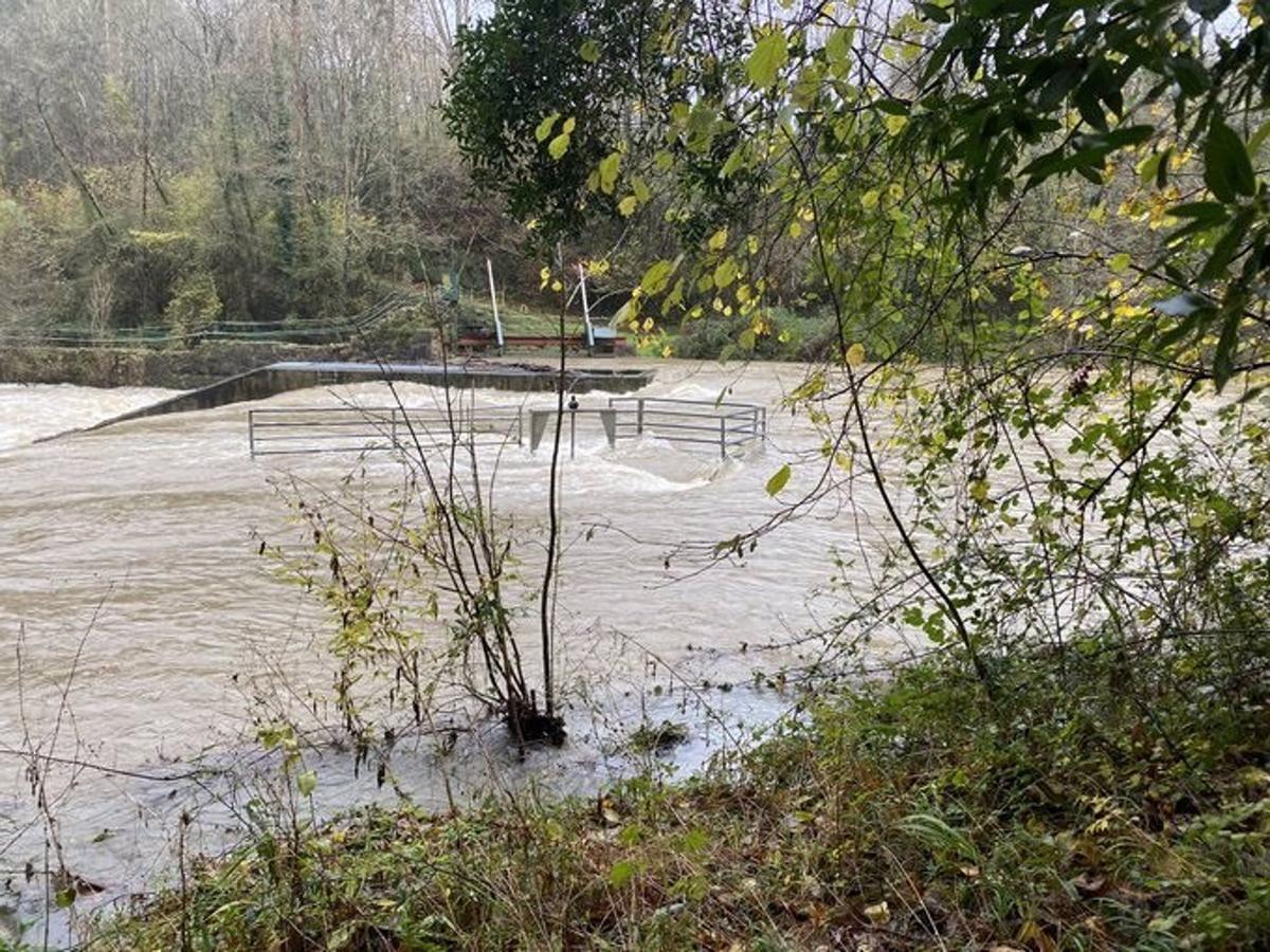 Imagen de archivo del desbordamiento de un río.