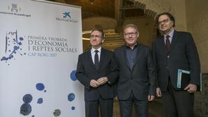 De izquierda a derecha, Giró, el alcalde de Palafrugell, Juli Fernández; y Alberich.