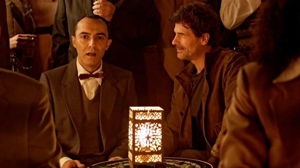 Federico García Lorca (Ángel Ruiz) y Julián (Rodolfo Sancho) en 'El ministerio del tiempo'.