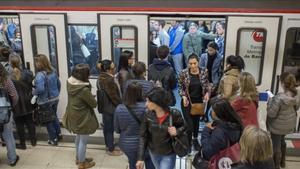 Barcelona supera amb poques incidències la primera vaga del metro durant Alimentaria