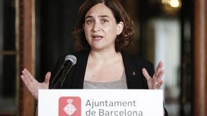 Colau crida a evitar les banderes a la manifestació i Junqueras les defensa