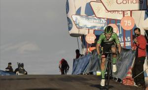 Primoz Roglic gana en Moncalvillo, perseguido por Richard Carapaz.