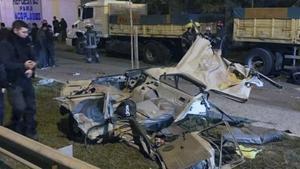 Estado en que quedó el coche tra la persecución policial.
