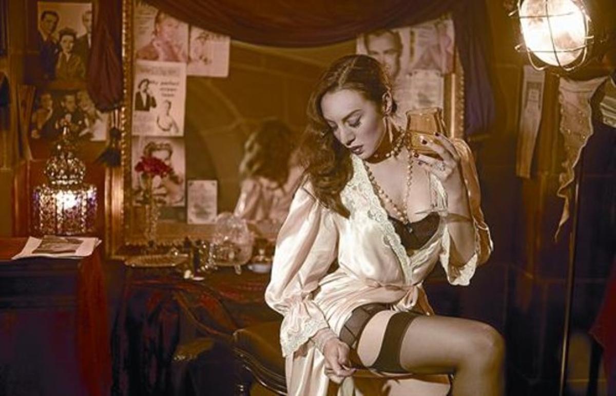 La cantante de Figueres Mónica Naranjo, en una imagen del espectáculo 'Madame Noir', en la que interpreta a una actriz de los años dorados.