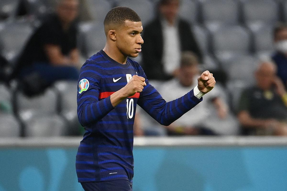 Mbappé con la selección francesa.