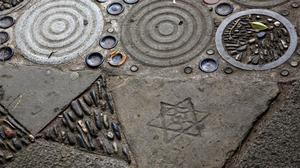 Estrella de seis puntas en el mosaico del mirador de Montjuïc.