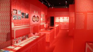 Una exposició repassa la història i el llegat de la discoteca Bocaccio
