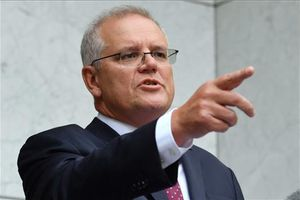El Primer Ministro Scott Morrison se dirige a los medios de comunicación durante una rueda de prensa en la Casa del Parlamento en Canberra.