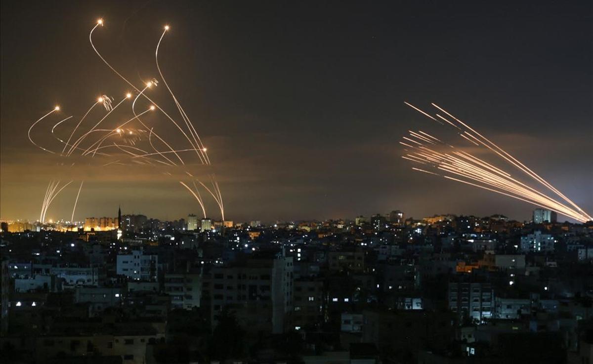 50 rondas de bombardeos israelís en 40 minutos en masiva ofensiva sobre Gaza.