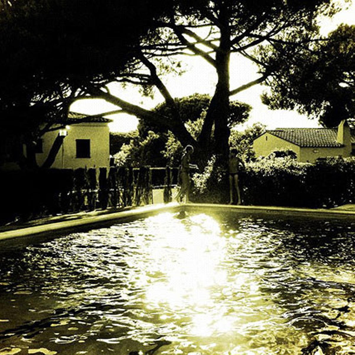 Vacaciones a la piscina en Calella de Palafrugell.