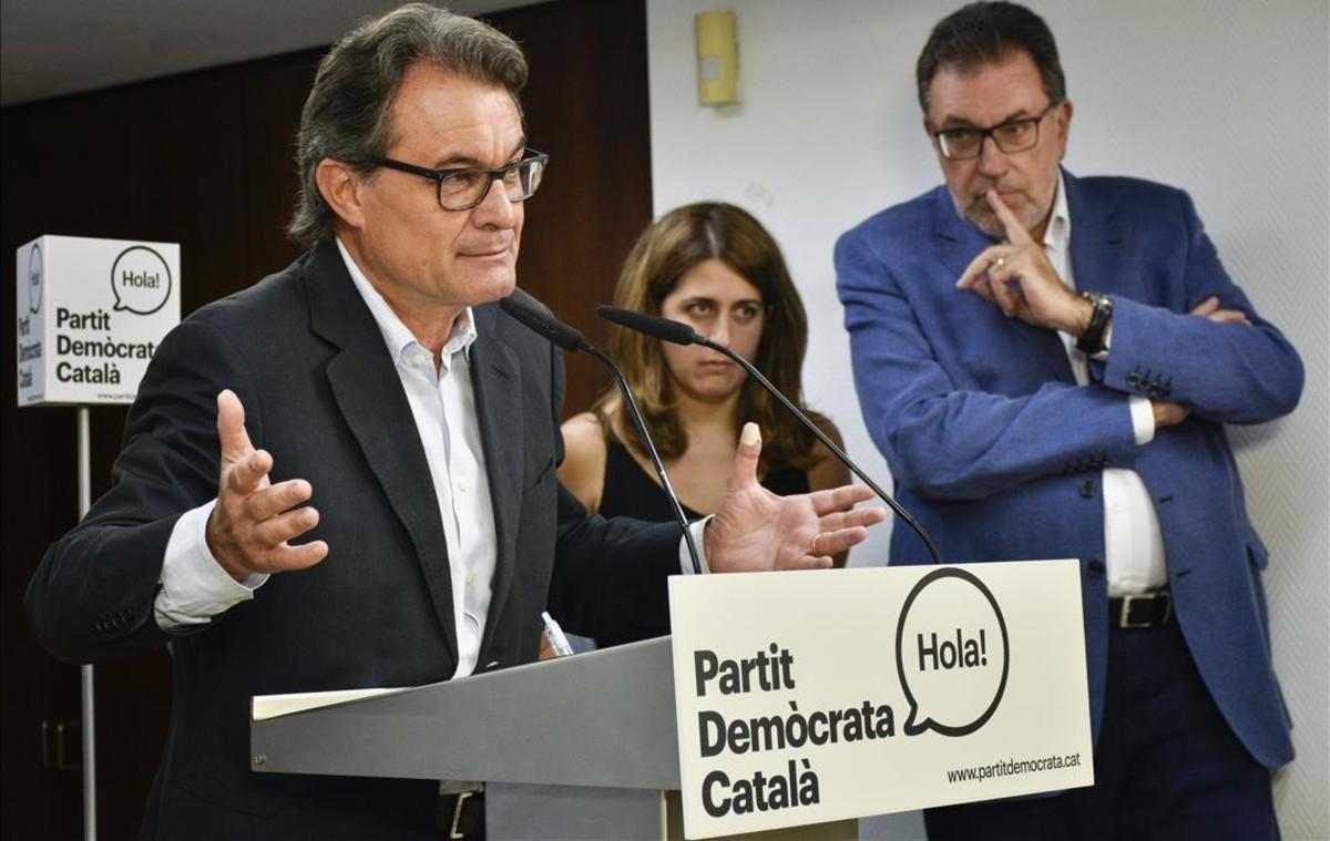 Artur Mas, en una rueda de prensa del PDC.