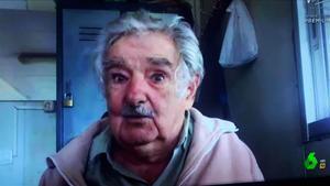 Pepe Mujica,en Montevideo, con Évole.