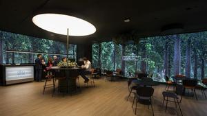 CaixaBank estrena a València un nou model d'oficina