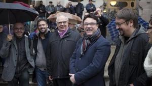 Joan Josep Nuet, acompañado por Xavier Domènech,Joan Coscubiela, Albano Dante Fachin y LluisRabell, anteel TSJC.