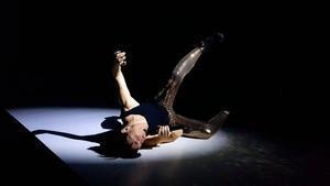 'Rebota, rebota y en tu cara explota', espectáculo de loscatalanes Agnès Mateus y Quim Tarrida en Almada.