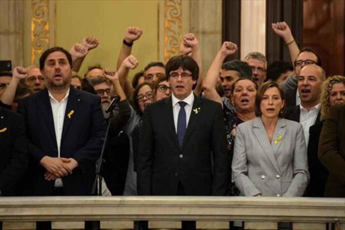 Oriol Junqueras, Carles Puigdemont y Carme Forcadell, el pasado viernes 27.