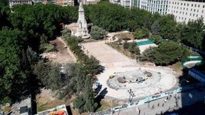 Paralitzades les obres del carrer de Bailén per l'aparició de restes arqueològiques