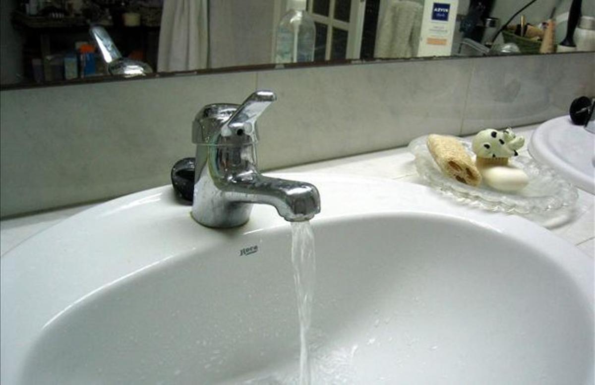 Aigua corrent en un domicili.