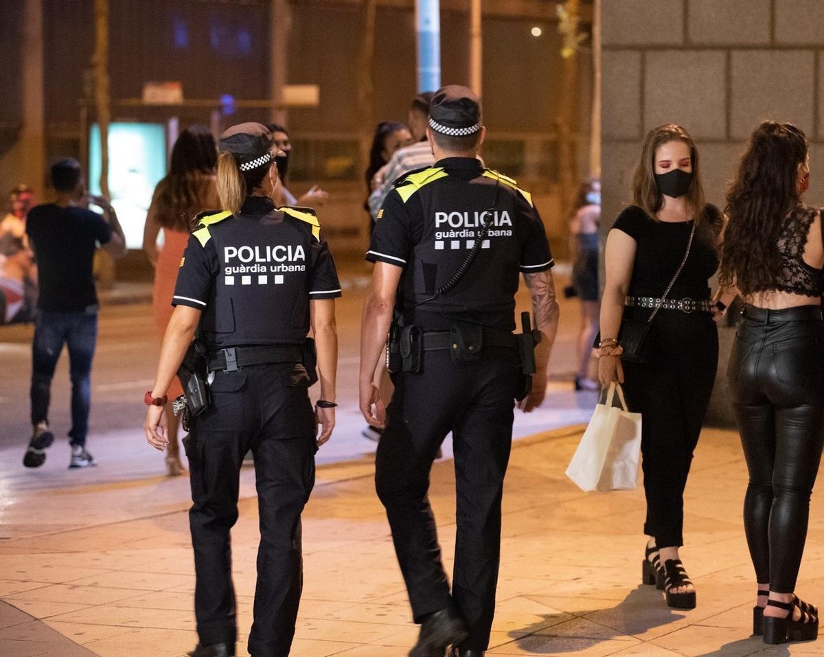 Barcelona estableix quotes femenines per accedir a la Guàrdia Urbana i Bombers