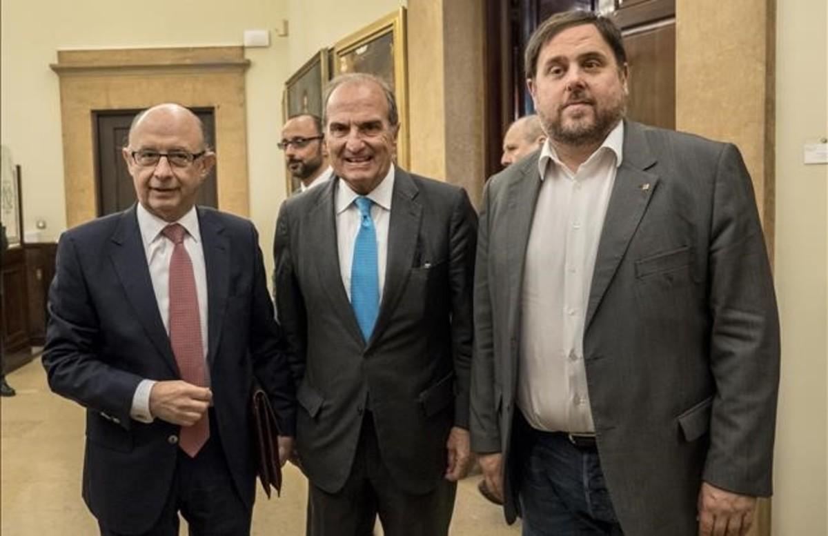 Montoro elude el compromiso de refinanciar deuda de la Generalitat