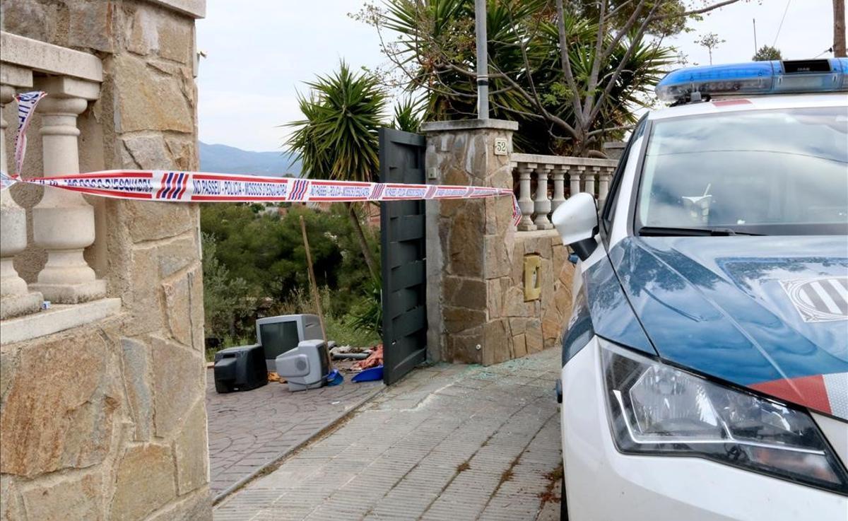 La casa de La Bisbal del Penedès en la que un hombre ha matado a su mujer.