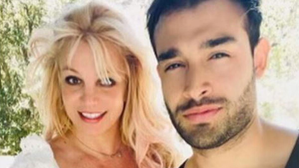 Britney Spears y su prometido, Sam Asghari.