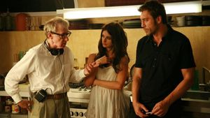 Woody Allen, con Penélope Cruz y Javier Bardem en el rodaje de 'Vicky Cristina Barcelona'.