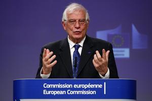 Borrell mantiene una rueda de prensa virtual sobre la operación naval de la UE en el Mediterráneo.