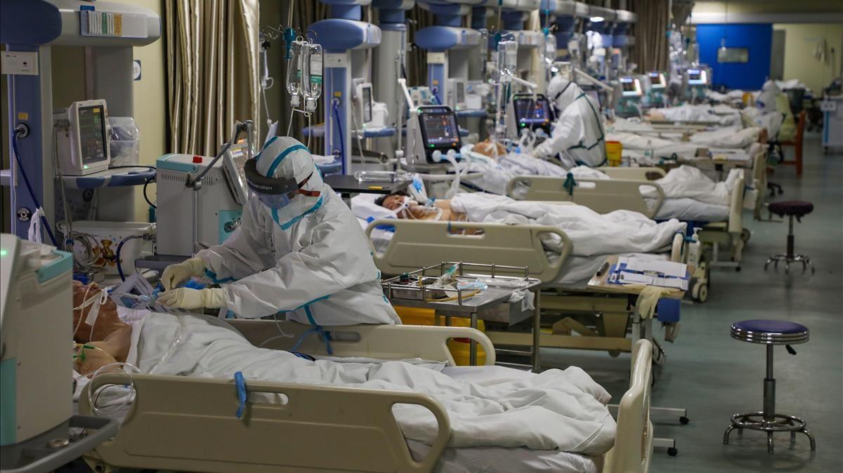 Unidad de cuidados intensivos de un hospital de Wuhan, el 6 de febrero de 2020.
