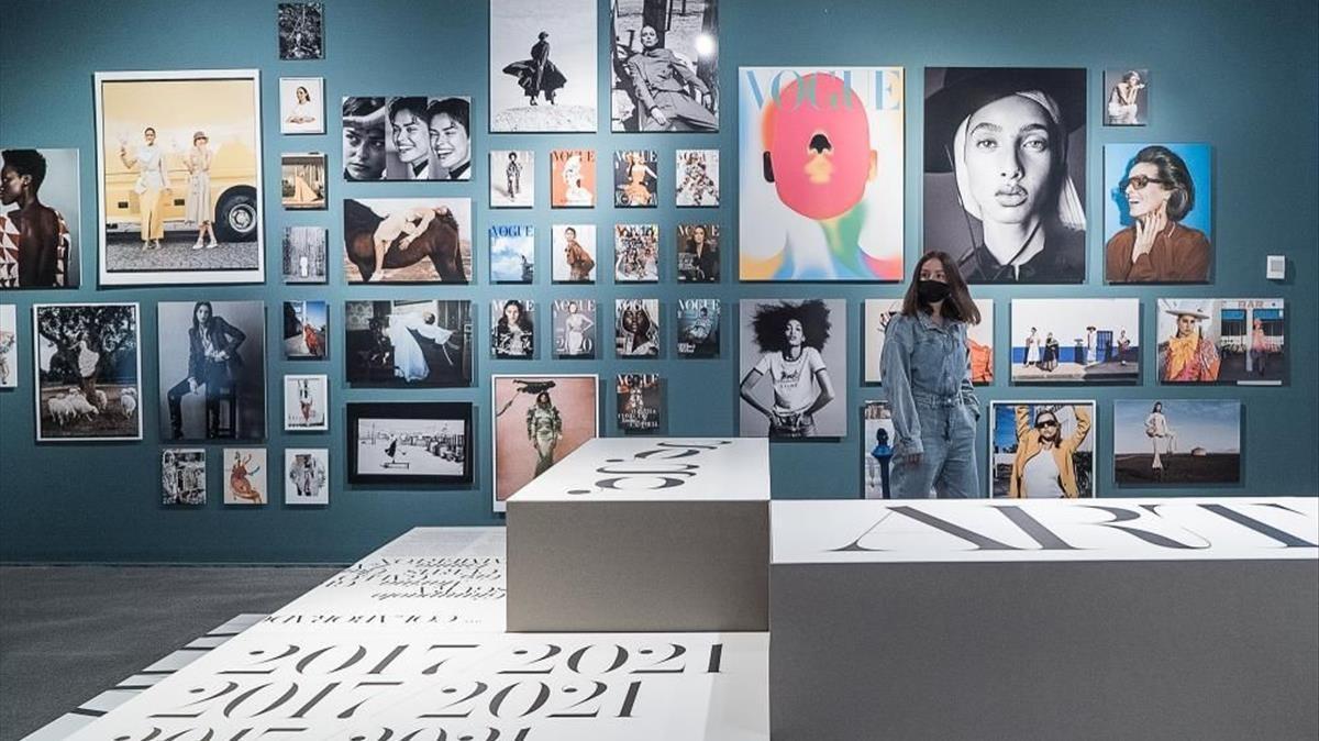 Una imagen promocional de 'Job title: Art Director', un repaso al diseño de 'Vogue España' en la escuela Elisava.