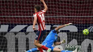 El atlético Llorente celebra el gol del empate ante el Athletic.