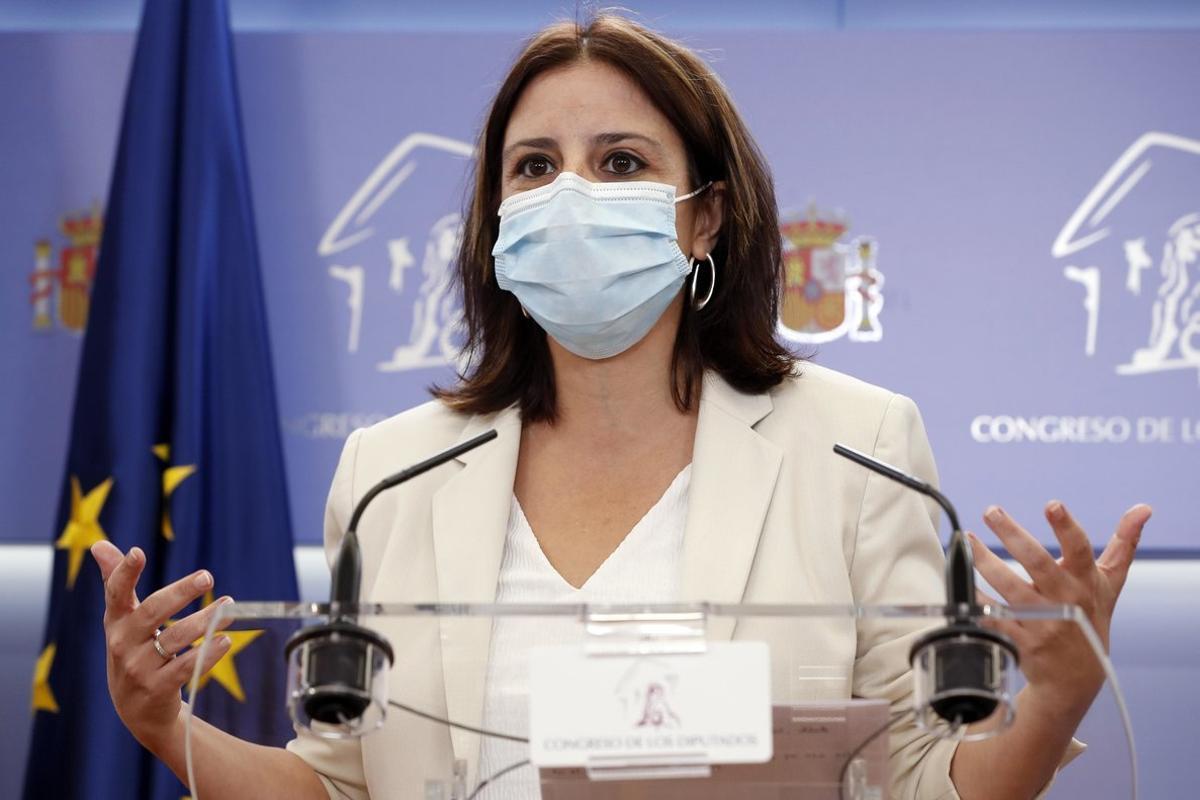 La vicesecretaria general del PSOE y portavoz de su partido en el Congreso, Adriana Lastra, este 22 de septiembre en rueda de prensa en la Cámara baja.