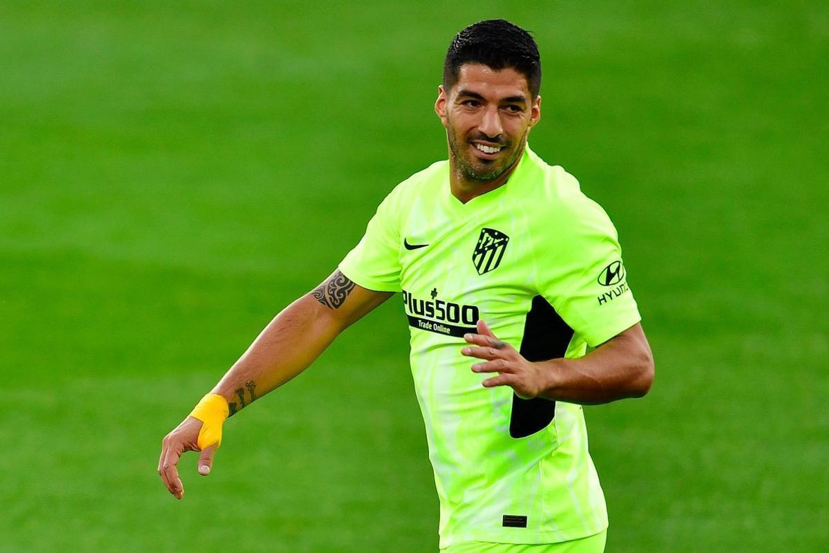 Luis Suárez durante el partido del Atlético en Huesca.