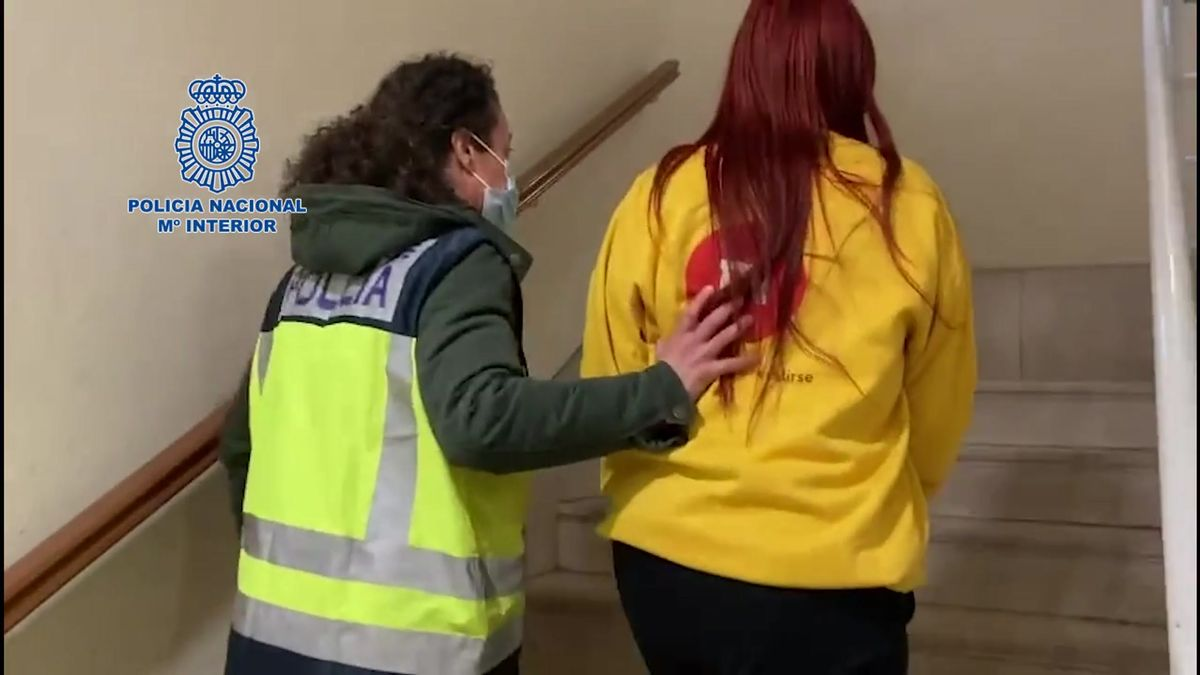 Detenida una mujer por prostituir a menores de edad en apartamentos de alquiler.